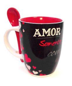 """Caneca Preta c/ Colher """"Amor"""""""