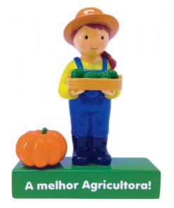 A Melhor Agricultora Little Drops of Water, em resina, pintada à mão e além disso com embalagem personalizada.